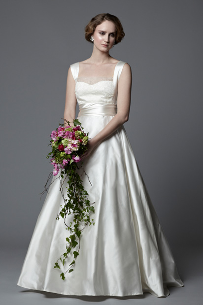 1950s classic sihouette vintage inspired wedding dress Antoinette